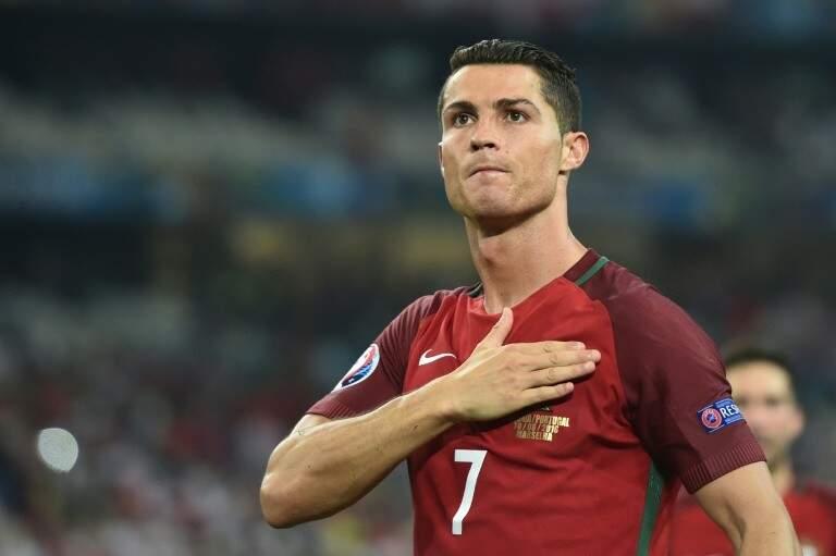 O atacante português Cristiano Ronaldo fez três gols logo na estreia na Copa, e foi diante da Espanha