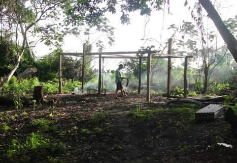 PMA multa em R$ 4 mil homem por construir casa em área de preservação