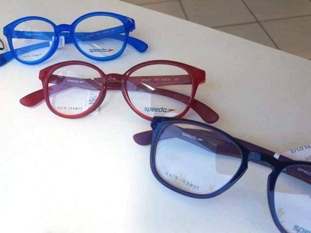 Óculos infantis também são super fofos, com variedade grande de modelos.