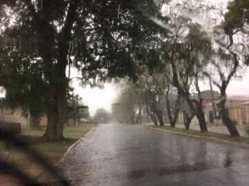 Previsão se confirma e chove em Ponta Porã (Foto: Direto das Ruas)