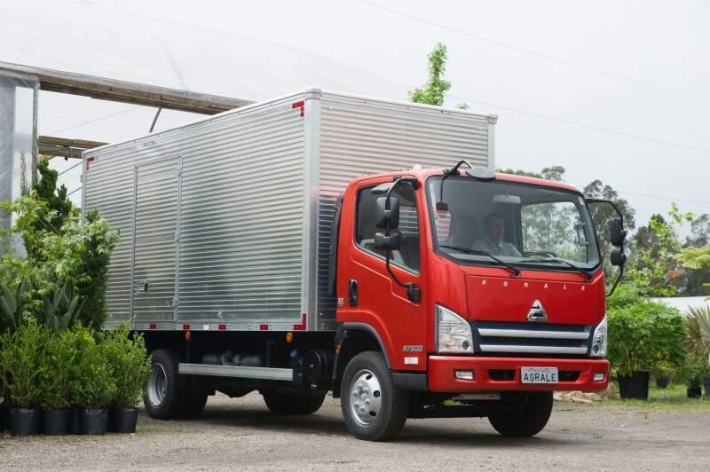 Agrale lança nova linha 2016 de caminhões leves