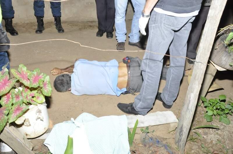 O delegado trabalha com a possibilidade de latrocínio ou homicídio (Foto: Marcelo Calazans)