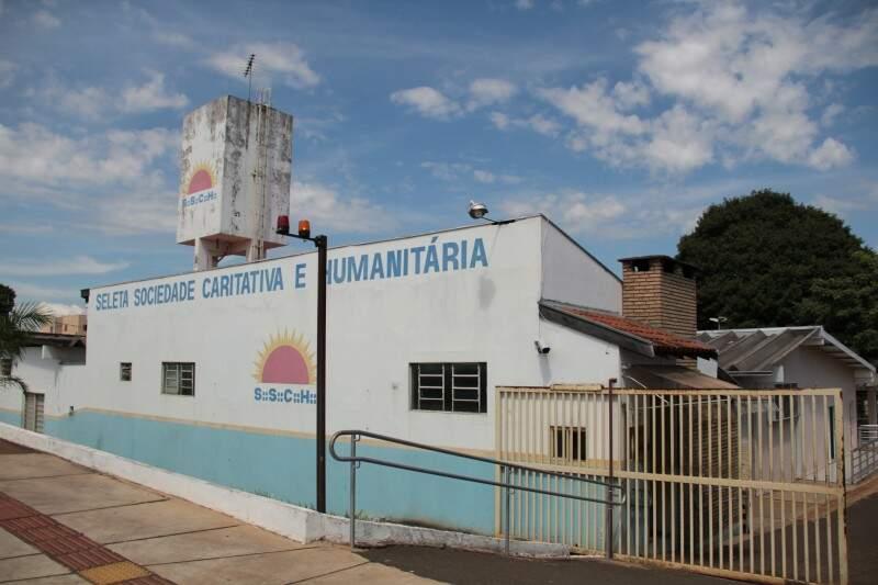 Seleta Sociedade Caritativa e Humanitária, em Campo Grande. (Foto: Marcos Ermínio)