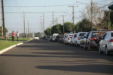 Com fila gigante, postos restringem venda, mas gasolina acaba em 4h