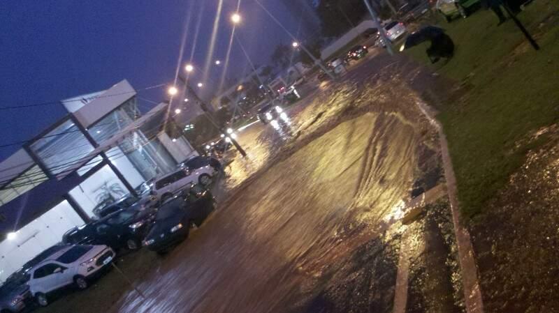 Avenida Afonso Pena foi um dos locais mais afetados com a chuva de ontem (Foto: Carlos Henrique)