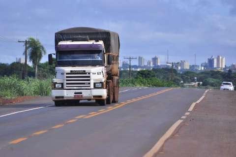 Após paralisação provocada por bloqueio de caminhoneiros, coleta é retomada