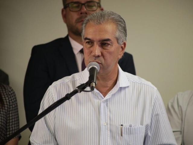 Governador do Estado, Reinaldo Azambuja (PSDB), durante discurso. (Foto: Fernando Antunes/Arquivo).