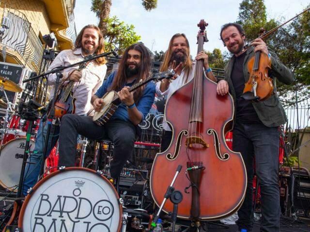 O grupo O Bardo e o Banjo faz show na sexta-feira. (Foto: Divulgação)