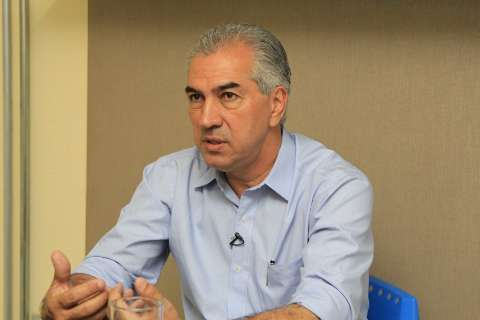 Reeleito, governador prepara caixa para pagar 13º salário em dezembro