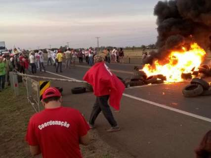 Dia da Independência tem 5 rodovias bloqueadas por sem-terra em MS