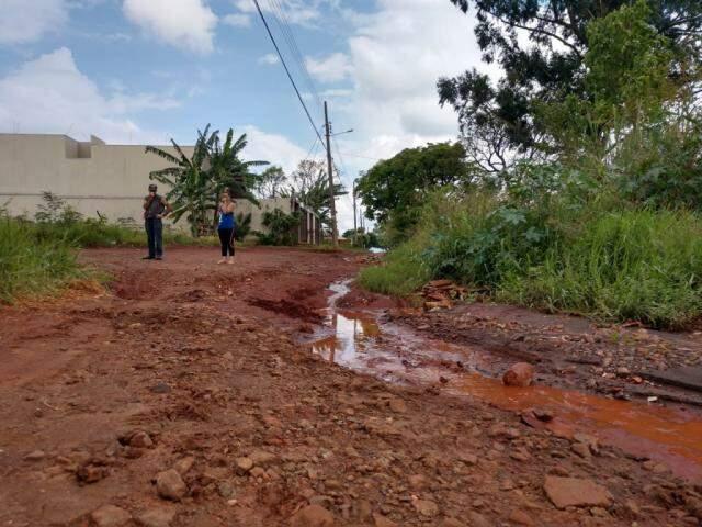 Prefeitura informou que fará reparos na região a partir de terça-feira (16). (Foto: Direto das Ruas)