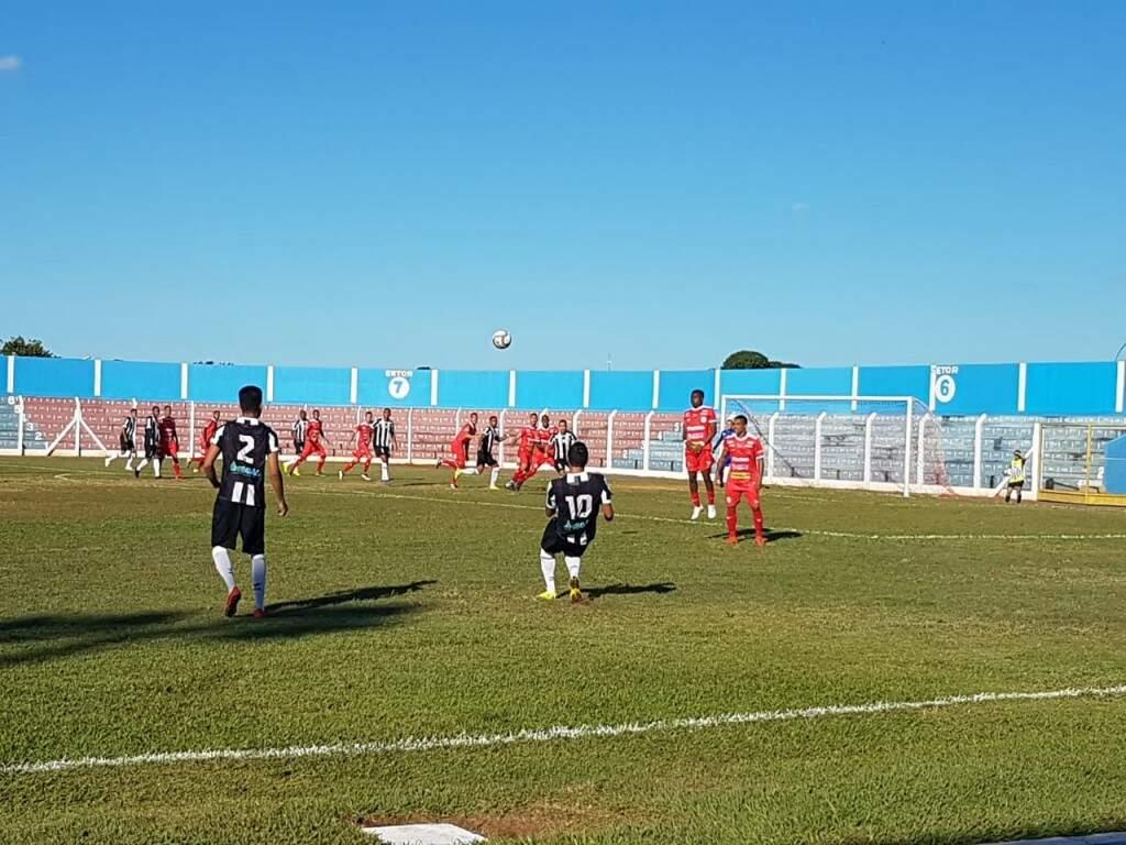 Jogo do Operário e Anapolina foi disputado no estádio Jacques da Luz. (Foto: Agência Operário FC)