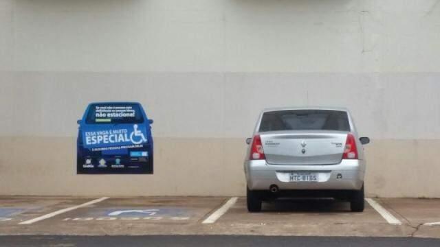 Sinalização aumentou no Shopping Campo Grande, em mais uma tentativa de conscientizar os motoristas.