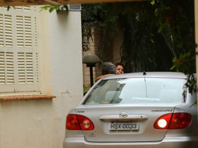 Familiares na residência do ex-governador do Estado, Wilson Barbosa Martins. (Foto: André Bittar).