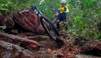 Ciclistas terão diversos desafios no percurso da prova de mountain bike. (Foto: Divulgação)