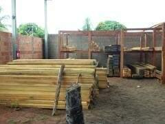PMA apreendeu 10 metros cúbicos de madeira. (Foto:Divulgação)