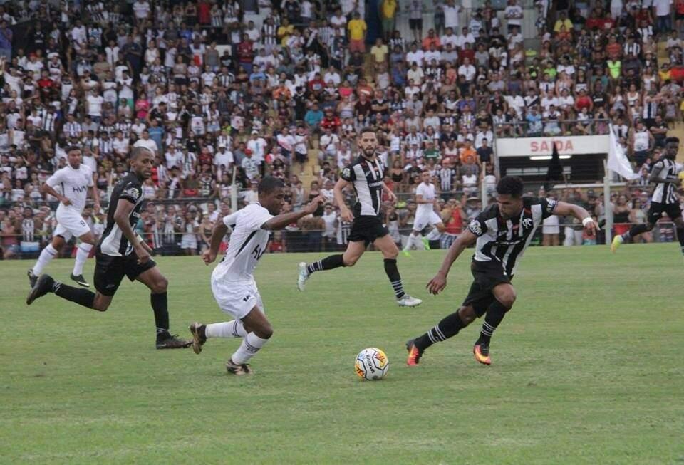 Corumbaense venceu o primeiro jogo e terá vantagem do empate no domingo (Foto: Anderson Ramos/OFC)