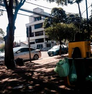 Morador flagra veículo estacionado de forma irregular em vaga especial