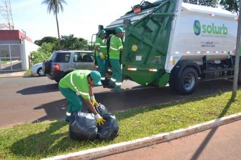 Após sete anos, coleta de lixo muda de mãos na Capital