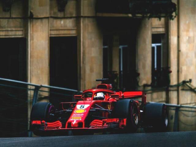 Vettel confirmou bom momento da Ferrari e larga na pole em Baku. (Fotos: Ferrari/Divulgação)