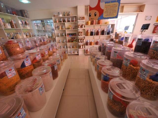 No espaço cliente encontra produtos sem glúten, lactose, açúcar, conservantes e que são diets, ligths, veganos e vegetarianos. (Foto: Alcides Neto)