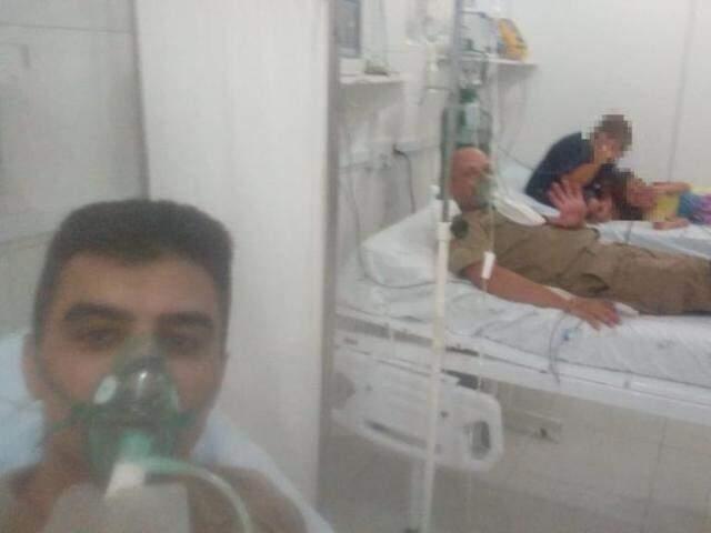 Bertholdo (à esquerda), colega e crianças precisaram de atendimento médico. (Foto: Direto das Ruas)