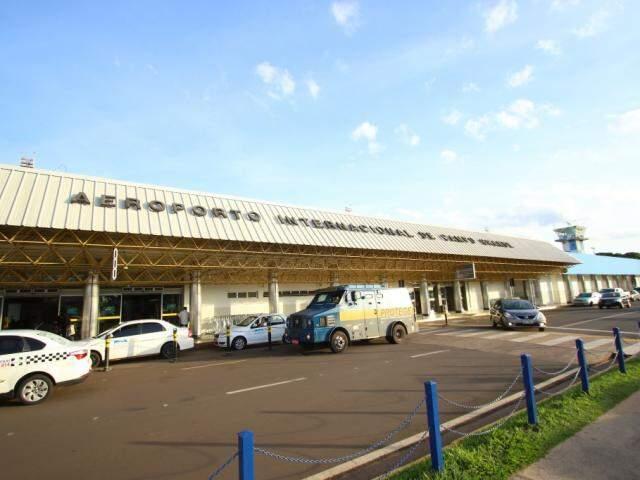 Fachada do Aeroporto de Campo Grande (Foto: André Bittar)