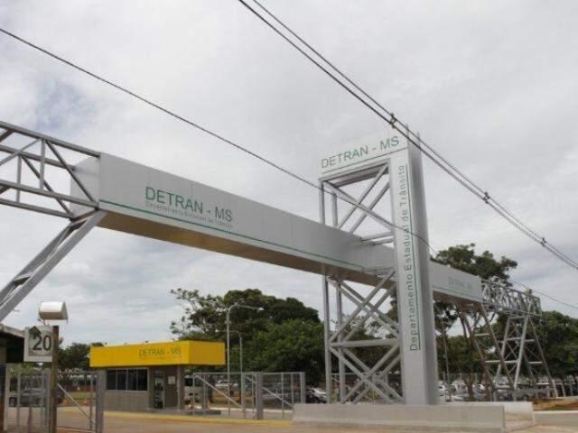 Entrada do Detran-MS na saída para Rochedo, em Campo Grande (Foto: Divulgação)