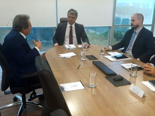 Senador Waldemir Moka e ministro do Planejamento se reuniram hoje (Foto: Divulgação)