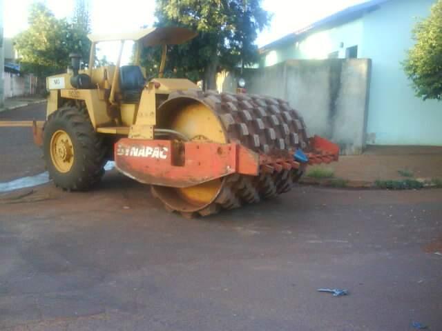 Segundo moradores, acidentes são frequentes por conta do tráfego de maquinários pesados. (Foto: Oswaldo Benites)