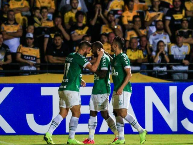 Com o placar jogadores garantiram a classificação do time às quartas de final da Copa do Brasil. (Foto: Márcio Cunha/ACF)