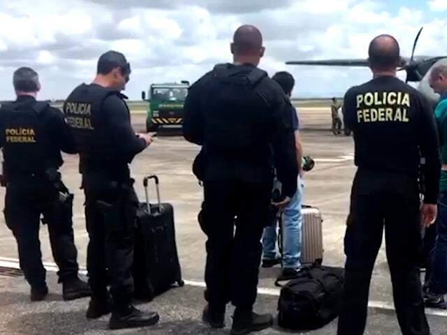 Embarque de presos pela PF e temporal estão entre vídeos mais vistos