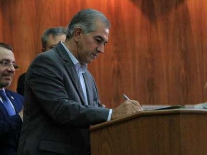 Reinaldo sanciona projeto sobre o uso de nome afetivo de crianças