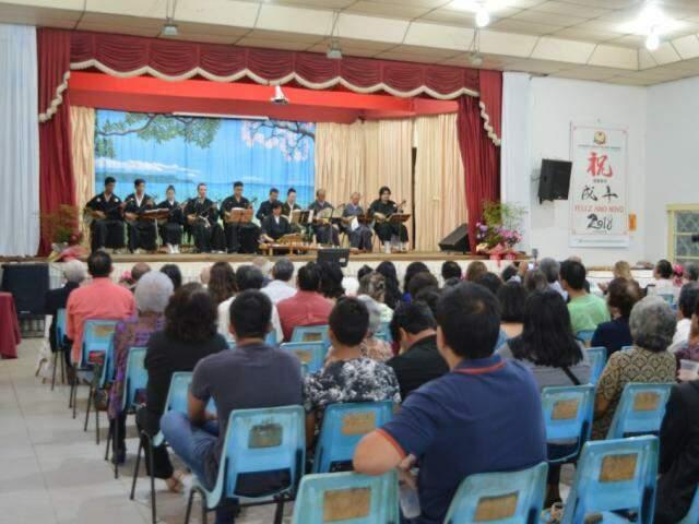 Apresentação do Shimisei neste domingo na sede da Associação Okinawa. (Fotos: Thaís Pimenta)