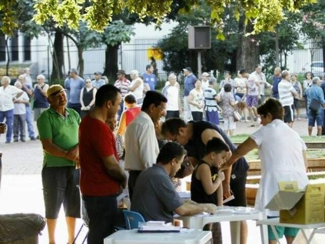 Imunização é oferecida gratuitamente para grupos de risco na rede pública. (Foto: Saul Schramm/Arquivo)