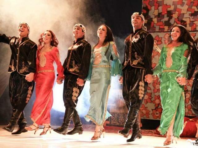 Danças, músicas e gastronomia completam a programação de festivais árabes. (Foto: Guilherme Molento)