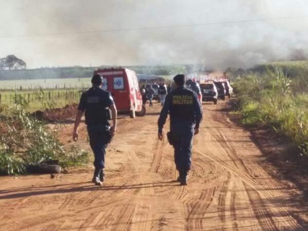 Conflito envolvendo índios, policiais e fazendeiros, em Caarapó deixou um morto e vários feridos (Foto: Sidney Bronka)