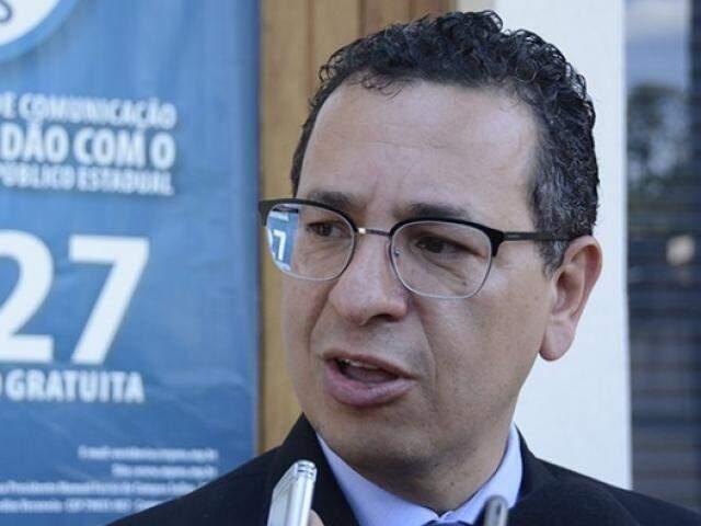 Procurador-geral de Justiça, Paulo Passos seguiu para Corumbá para acompanhar ação do Gaeco. (Foto: Anderson Gallo/Diário Corumbaense)