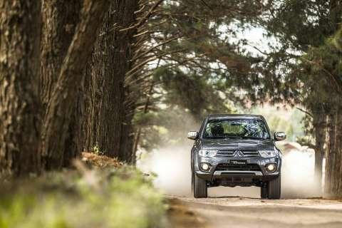 Mitsubishi lança a série especial L200 Triton HLS Chrome Edition