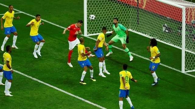 O gol de cabeça de Steven Zuber frustrou a torcida brasileira que esperava vitória da Seleção na estreia na Copa