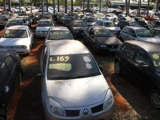 Projeto quer esvaziar carros apreendidos no pátio do Detran-MS (Ana Letícia Gaúna/Detran-MS)