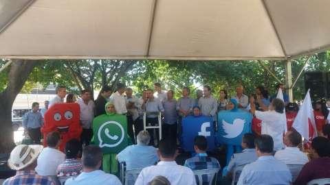 Reinaldo e ministro inauguram internet e assinam convênio de R$ 2 milhões