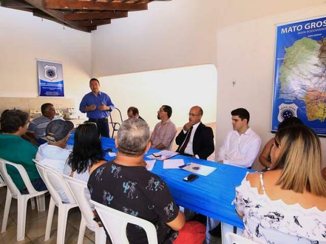 Cota Zero fortalecerá pesca profissional, diz secretário em reunião