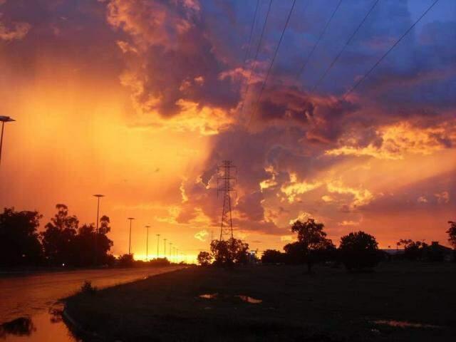 Pôr do sol faz muita falta para quem vive fora daqui. (Foto: Arquivo Pessoal)