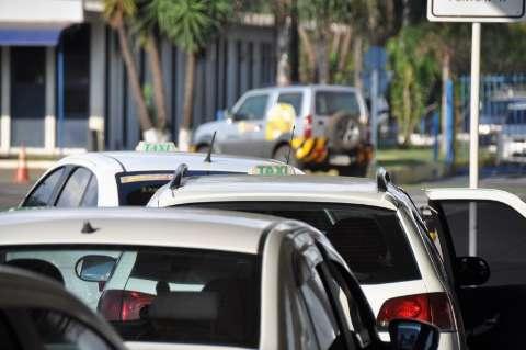 Prefeitura recebe até 2ª feira propostas para novos alvarás de táxi