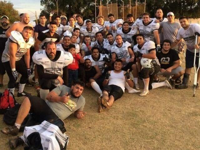 Jogadores do Operário Gravediggers após a partida pela Liga Nacional (Foto: Divulgação)