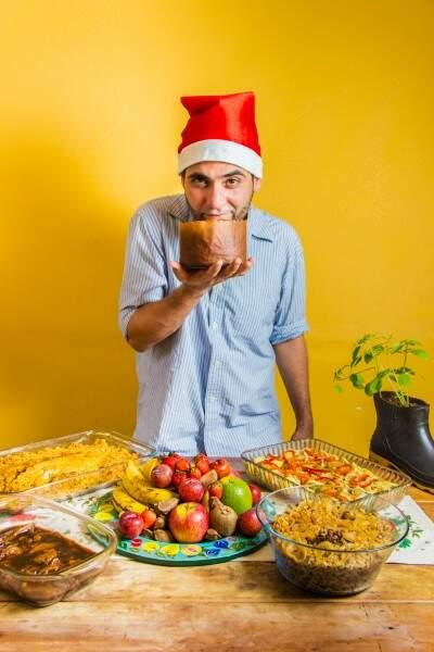 Corumbaense, Ed começou a se dedicar à culinária de quem mora só neste ano.
