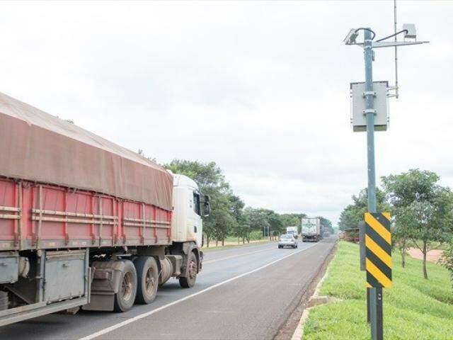CCR ativou 13 radares em 2018 em diferentes municípios; agora, equipamentos herdados do Dnit serão religados. (Foto: Divulgação)