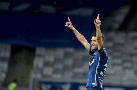 Depois da derrota na última rodada, Cruzeiro vence de virada o Fluminense