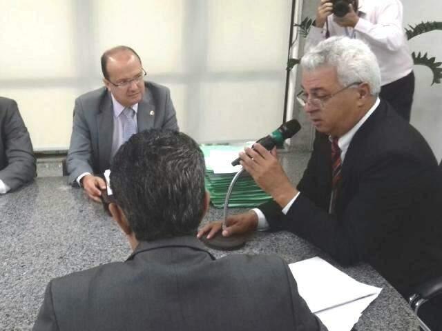 Novo presidente pediu que colegas se atentem à legalidade de projetos, Almi afirma que deputados não podem abrir mão da obrigação de legislar